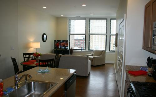 The Laurel downtown St. Louis Corporate Apartment, Kitchen into Living area