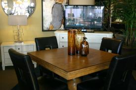 Premium Table Set - Corporate Apartments, South St. Louis, Fully furnished